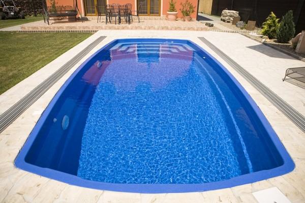 Rubin 750 x 350 x 150cm Fiberglaspool GFK Vinylester Pool